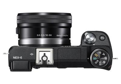 NEX-6 top with SELP1650 and flash (black)